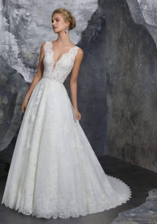 robe de mariée en dentelle avec un joli dos