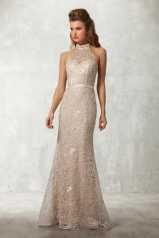 robe nude et dentelle ivoire de Fashion New York