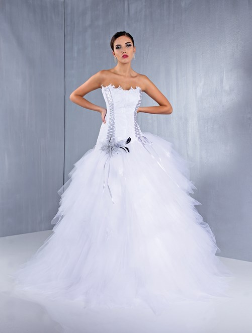 robe princesse en tulle et bustier en perles fines